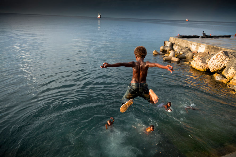 Solomon_Islands_Rock_Jumping_005
