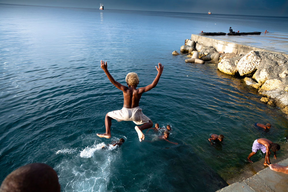 Solomon_Islands_Rock_Jumping_006