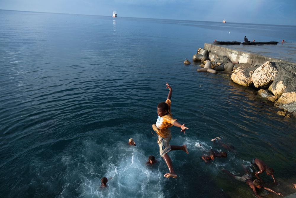 Solomon_Islands_Rock_Jumping_007