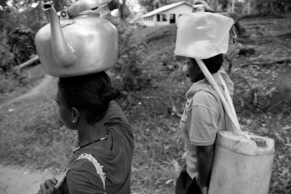 Village_Collecting_Water_016