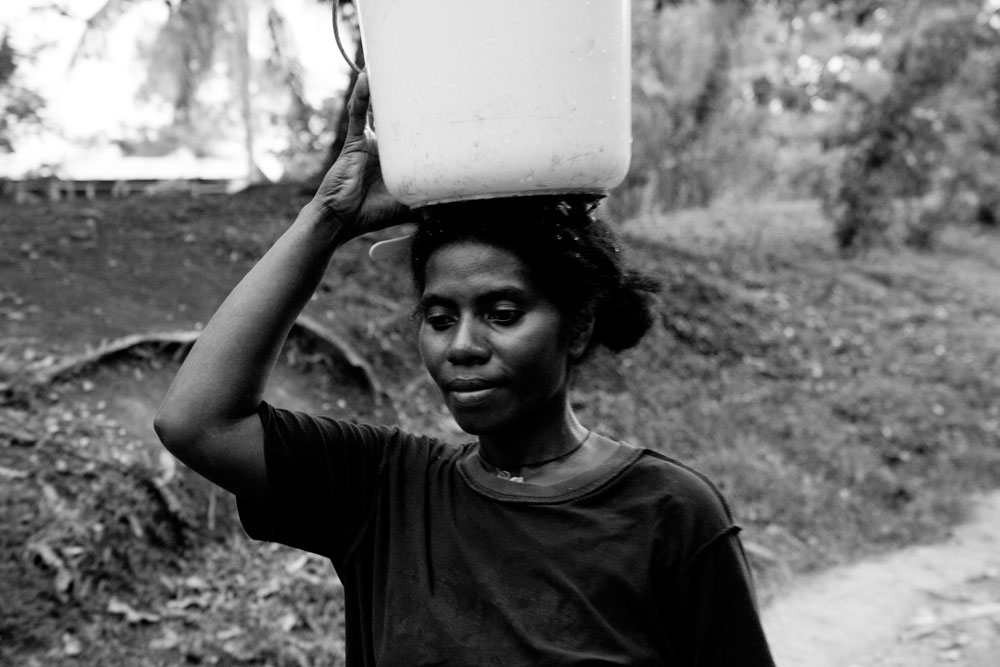 Village_Collecting_Water_017