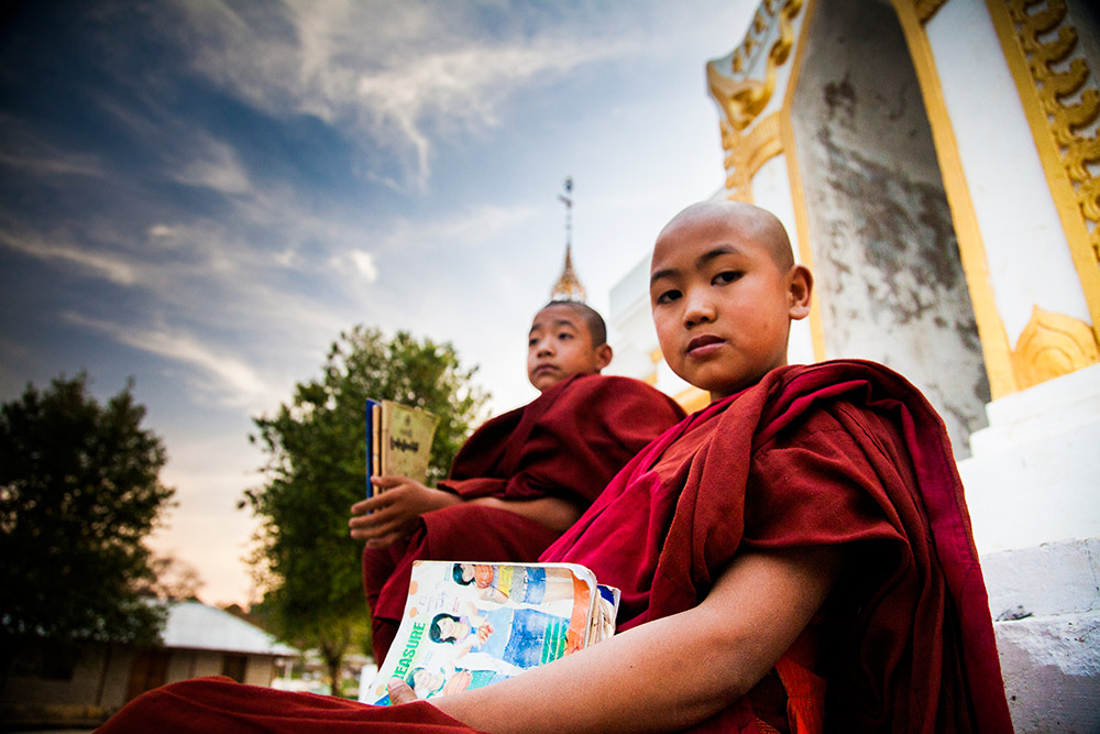 Myanmar-Burma-Michael_Bainbridge-Budhists-007