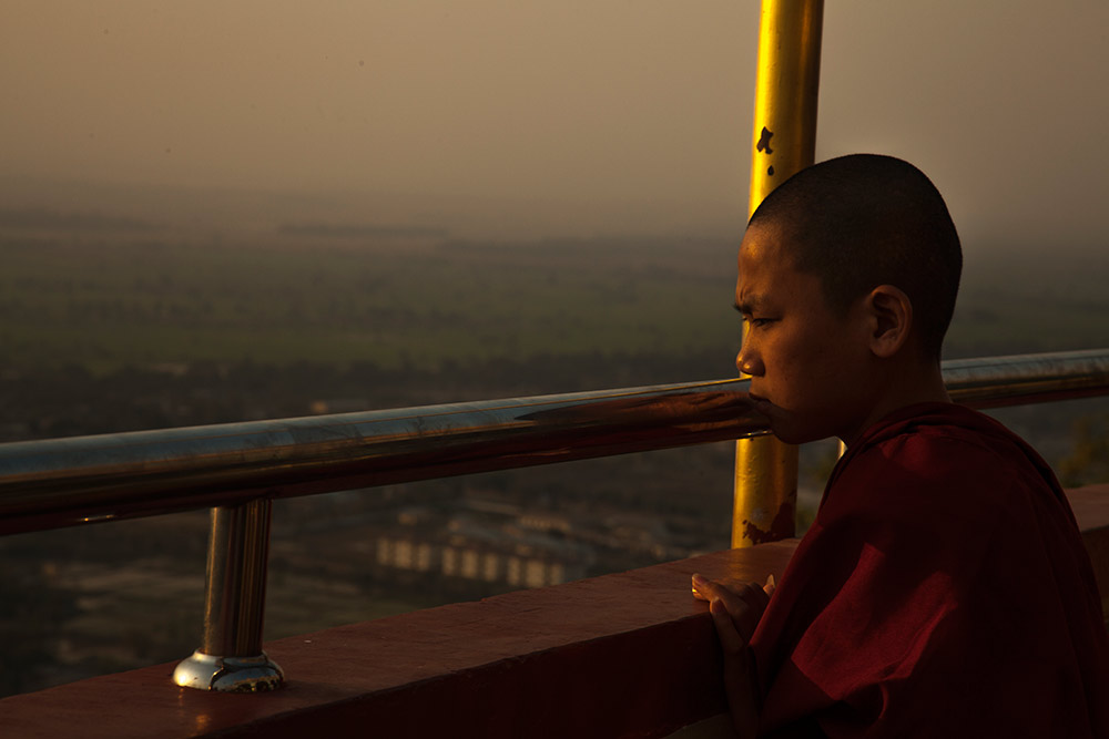 Myanmar-Burma-Michael_Bainbridge-Budhists-008