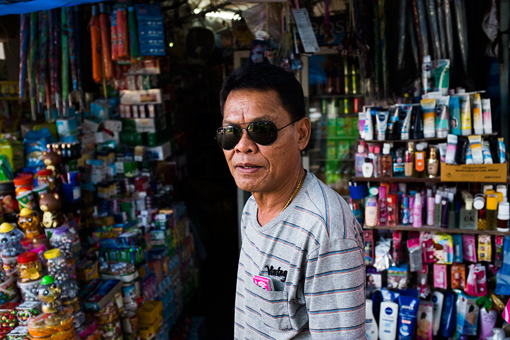 Vientiane-Laos-Portrait--Michael-Bainbridge-007