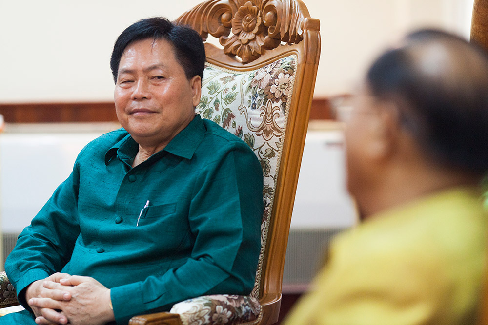 Meeting-with-governor-of-savannakhet-Dr-Souphanh-Keomixay-23