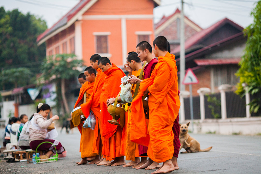 luang-prabang-morning-alms-004