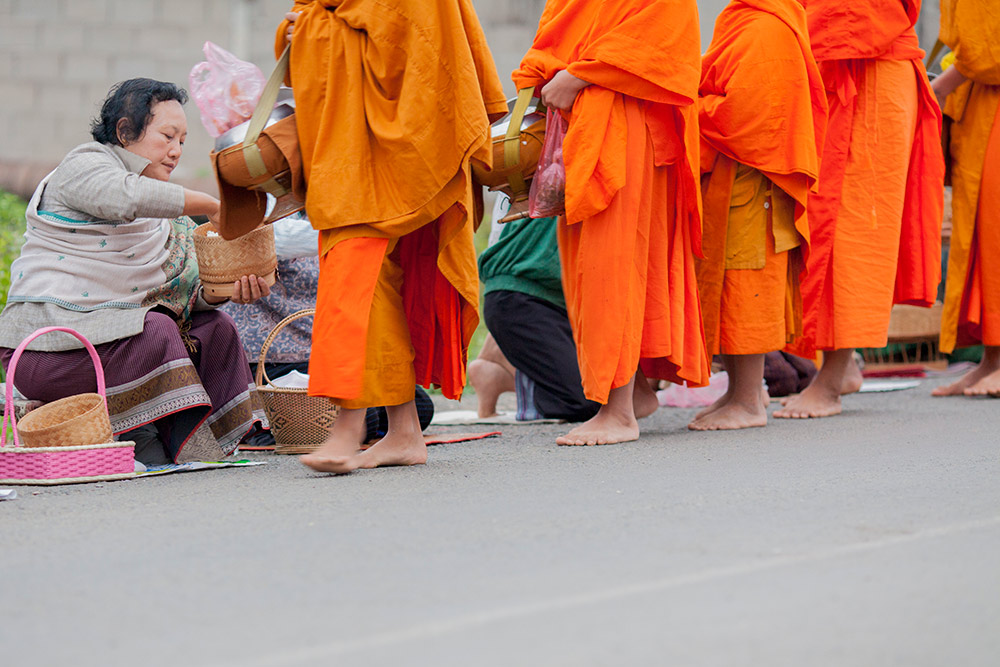 luang-prabang-morning-alms-008