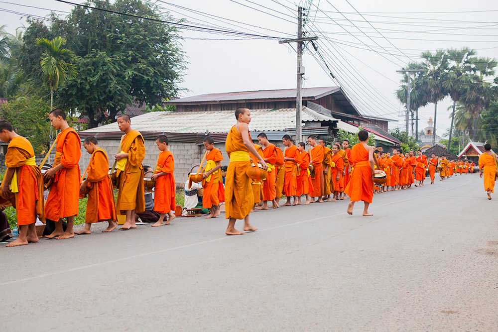 luang-prabang-morning-alms-022