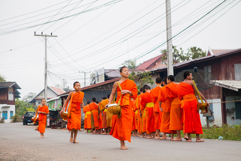 luang-prabang-morning-alms-025